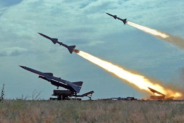 'Gia đình S': Kế hoạch bắn hạ F-35, F-22 Mỹ của Nga - ảnh 1