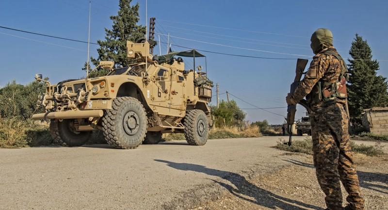 Người Kurd, liên quân Mỹ nối lại chiến dịch chống IS ở Syria - ảnh 1