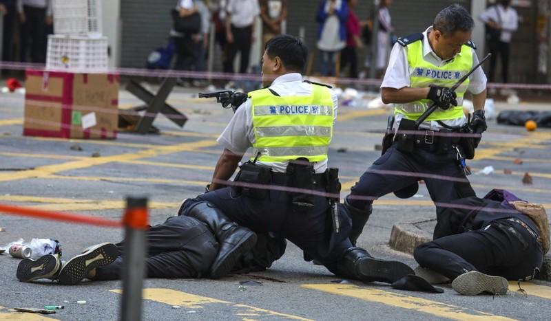 '31.000 cảnh sát Hong Kong không thể chấm dứt biểu tình' - ảnh 2