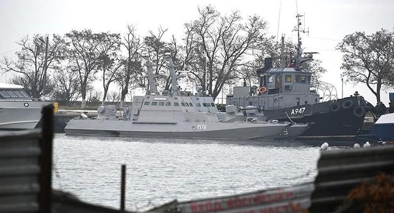 Ukraine nói không bỏ qua dù Nga đã trả 3 tàu hải quân  - ảnh 1