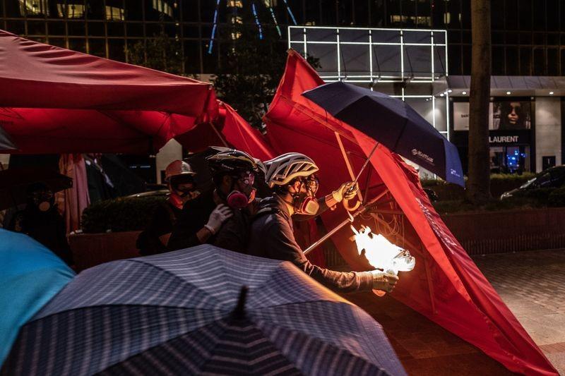 Trung Quốc dọa trả đũa nếu ông Trump ký dự luật về Hong Kong - ảnh 1