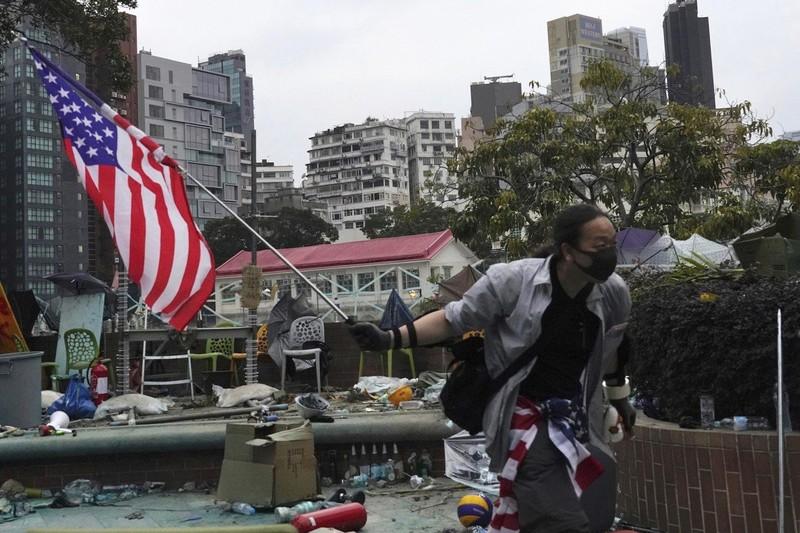 Trung Quốc dọa trả đũa nếu ông Trump ký dự luật về Hong Kong - ảnh 2