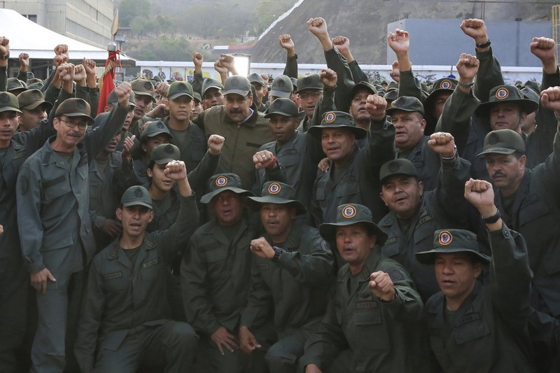 Lo Mỹ khiêu khích, ông Maduro lệnh quân đội sẵn sàng chiến đấu - ảnh 1