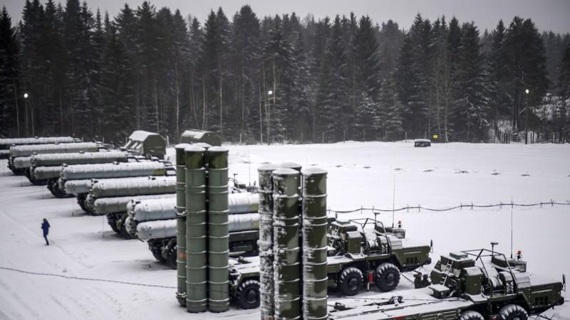 Nga dàn trận S-400 tạo mái vòm chống tên lửa ở Bắc Cực - ảnh 1