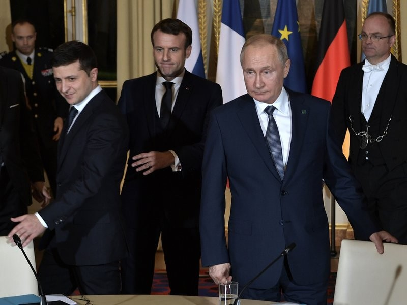 Ông Putin nói gì sau cuộc gặp ông Zelenskiy lần đầu tiên? - ảnh 2