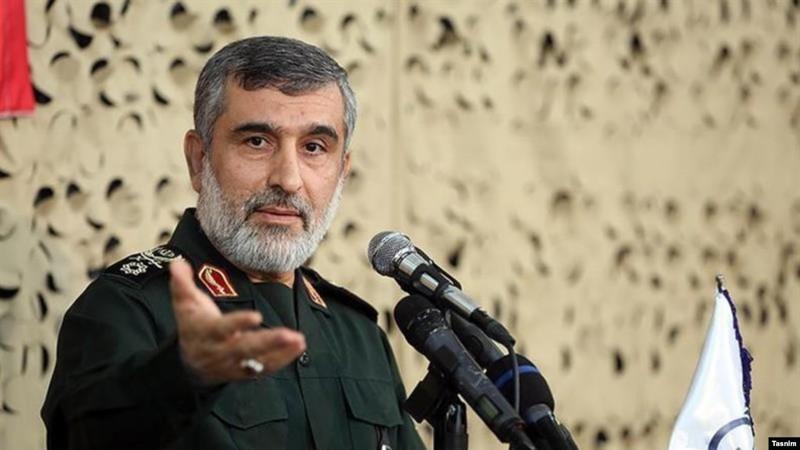 Chuẩn tướng Amirali Hajizadeh - chỉ huy đơn vị không gian vũ trụ thuộc Quân đoàn vệ binh cách mạng Hồi giáo Iran (IRGC) nói đã biết máy bay Boeing 737-800 của Ukraine trúng tên lửa Iran vào cùng ngày xảy ra thảm kịch. Ảnh: RADIO FARDA