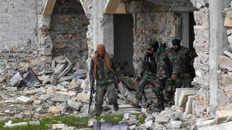Trực thăng của quân đội Syria trúng tên lửa, không ai sống sót - ảnh 2