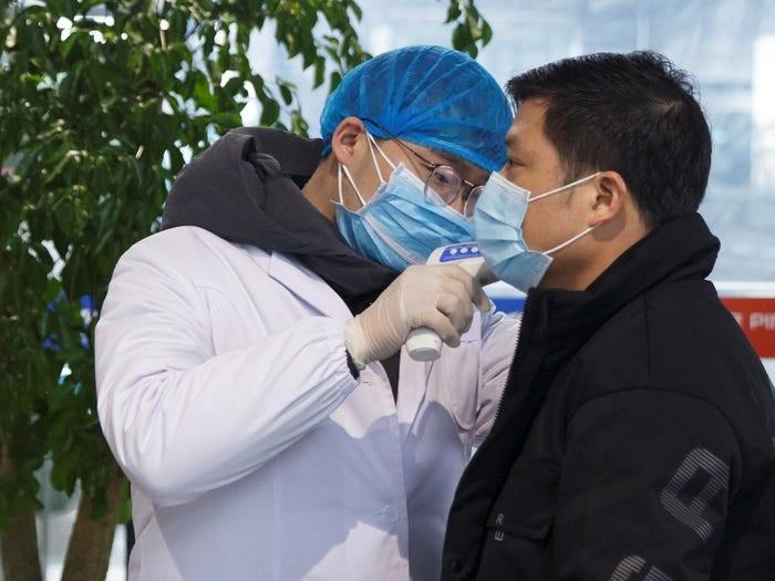 Bệnh nhân COVID-19 tử vong sau khi xuất viện 5 ngày ở Vũ Hán - ảnh 2