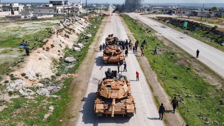 Nga-Thổ Nhĩ Kỳ cắt ngắn lộ trình tuần tra đầu tiên ở Idlib - ảnh 1