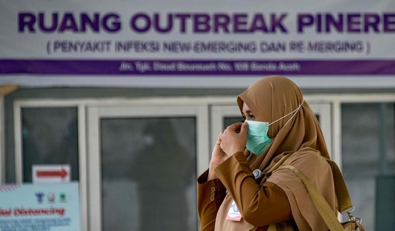 Indonesia: Đóng giả ma để dân ở nhà nhằm ngăn dịch COVID-19 - ảnh 2