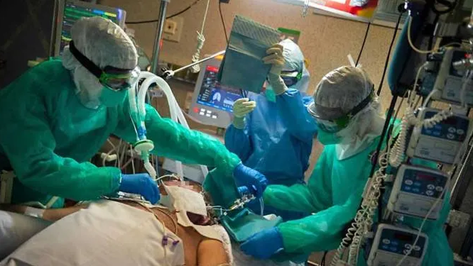 Gần 1 triệu ca nhiễm, châu Âu vẫn trong 'mắt bão' COVID-19  - ảnh 1