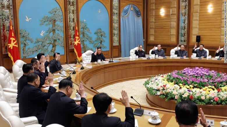 Ông Kim Jong-un vắng mặt trong ngày lễ quan trọng nhất - ảnh 2