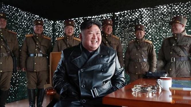 Báo Hàn Quốc: Ông Kim Jong-un vừa phẫu thuật tim mạch - ảnh 1