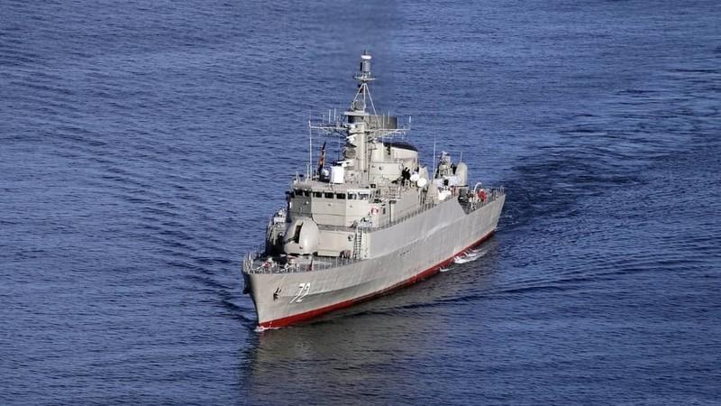 Mỹ cảnh báo các tàu không áp sát tàu Mỹ quá 100m ở vịnh Ba Tư  - ảnh 1