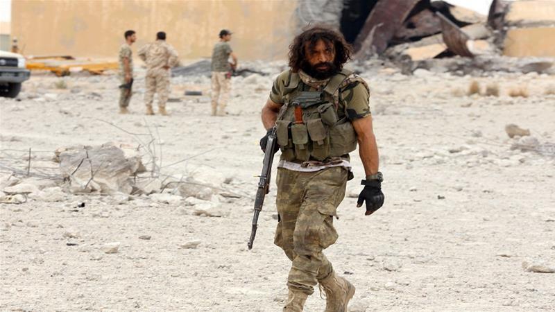 Sau lực lượng Haftar, các tay súng người Nga rút khỏi Tripoli  - ảnh 1