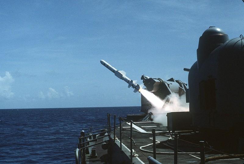 Đài Loan tính mua tên lửa diệt hạm Harpoon của Mỹ - ảnh 1