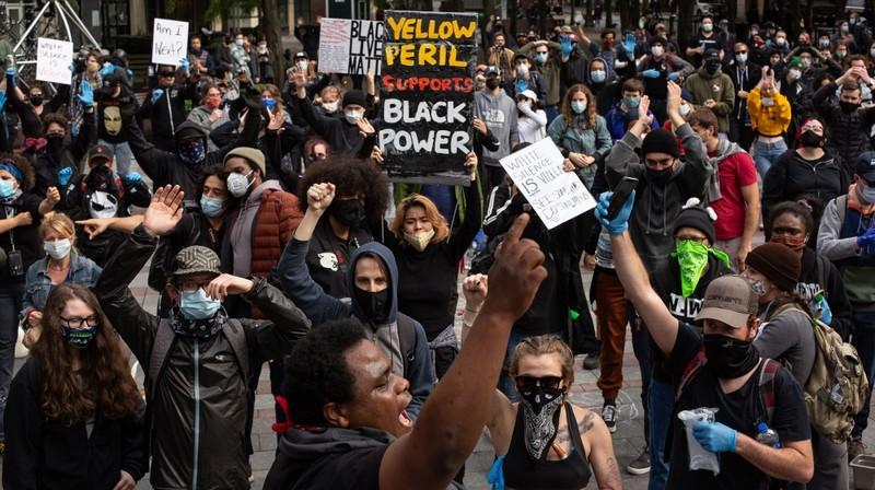 Người da màu Mỹ chết: Kết quả khám nghiệm bất ngờ - ảnh 1