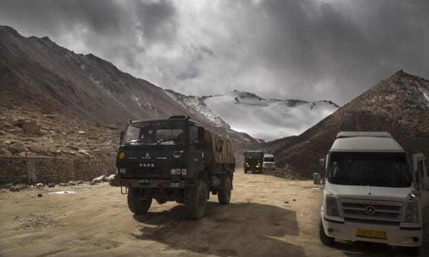 Lính Ấn-Trung lên mạng xã hội khoe 'chiến tích' hạ đo ván nhau - ảnh 3