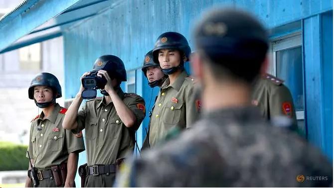 Triều Tiên gọi Hàn Quốc là kẻ thù, sẽ cắt mọi liên lạc - ảnh 1