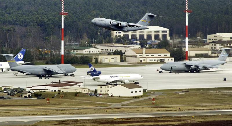 Máy bay vận tải quân sự Mỹ thường xuyên bay tới Libya - ảnh 1