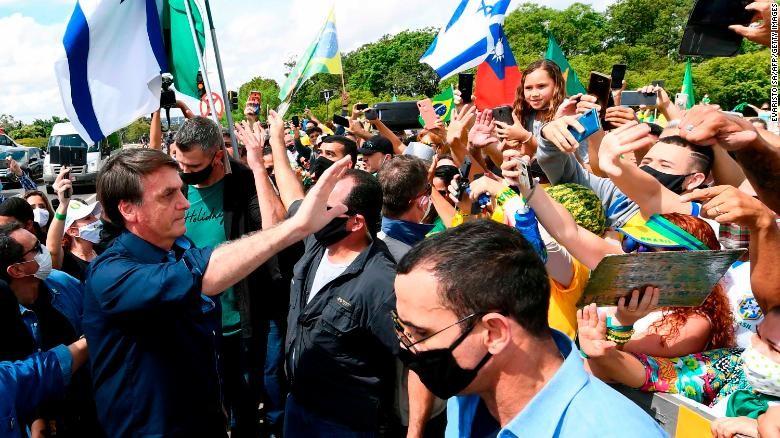 COVID-19: Brazil khả năng vượt Mỹ, có số người chết cao nhất  - ảnh 2