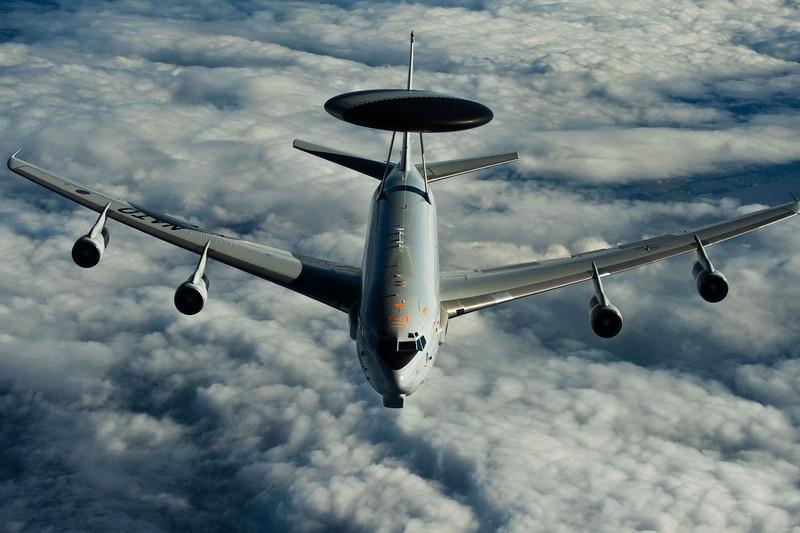 Trung Quốc yêu cầu máy bay Mỹ áp sát không phận quay đầu - ảnh 1