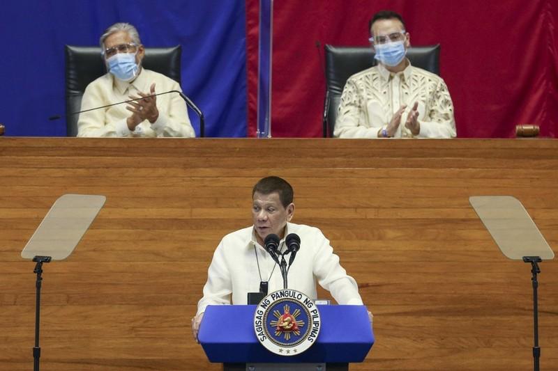 Ông Duterte: Manila không thể đối đầu Trung Quốc ở Biển Đông - ảnh 1