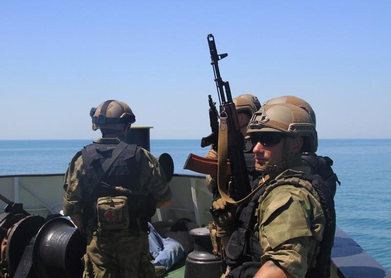 Mỹ viện trợ quân sự cho Ukraine, Nga sẽ cấp vũ khí cho Donbass - ảnh 1