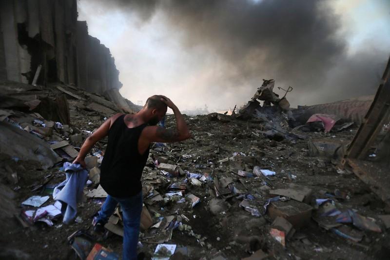 Nổ ở Lebanon: Người chết khắp nơi - ảnh 1
