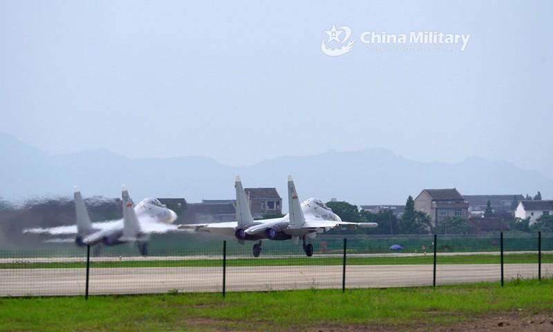 Trung Quốc tập trận 'cảnh báo nghiêm khắc' bên ủng hộ Đài Loan - ảnh 1