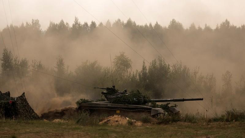 Xuất hiện thông tin xe quân sự, lính Nga vượt biên tới Belarus - ảnh 1