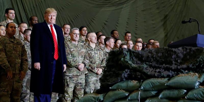 Ông Trump dọa đáp trả mạnh Nga, Iran treo thưởng giết lính Mỹ - ảnh 1