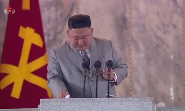 Ông Kim rơi nước mắt tại lễ duyệt binh: 'Tôi thật sự xin lỗi' - ảnh 1