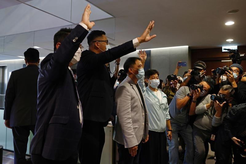 Anh nói Trung Quốc vi phạm hiệp ước Hong Kong, dọa trừng phạt - ảnh 1