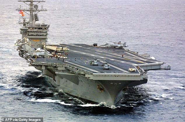 Tên lửa Iran phát nổ, rơi cách tàu sân bay Mỹ 161 km - ảnh 1
