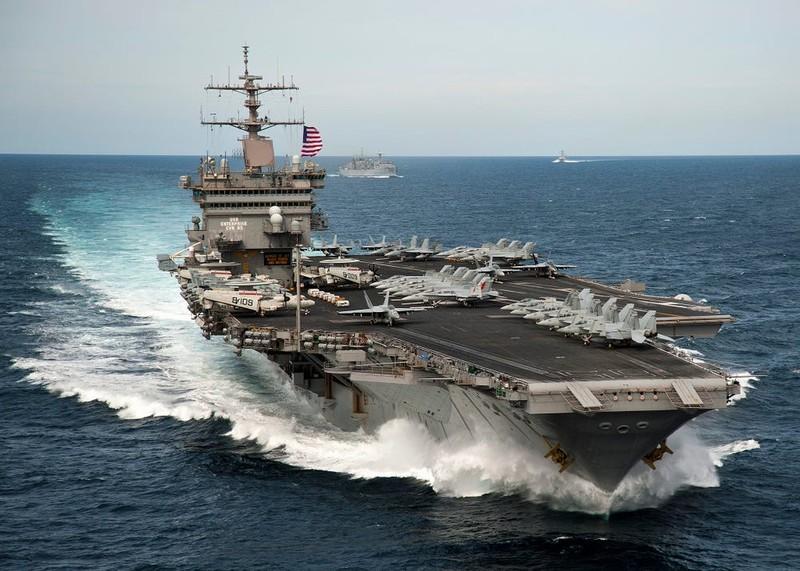 'Tàu sân bay Trung Quốc không thể dọa tàu sân bay Mỹ' - ảnh 3