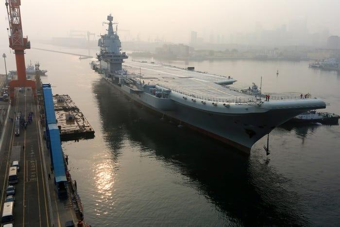 'Tàu sân bay Trung Quốc không thể dọa tàu sân bay Mỹ' - ảnh 2