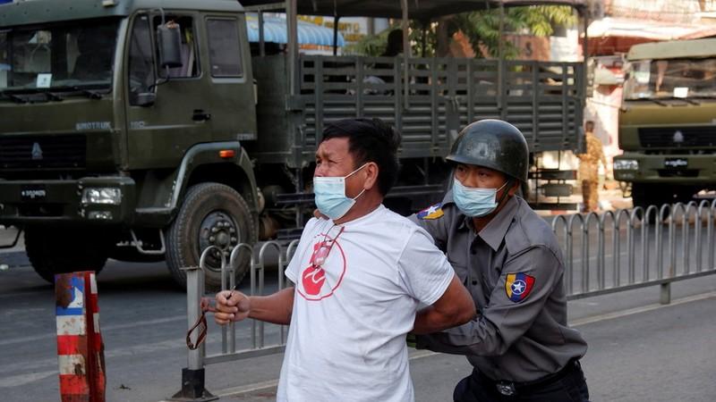 Anh, Canada trừng phạt bộ trưởng, tướng lĩnh Myanmar - ảnh 1