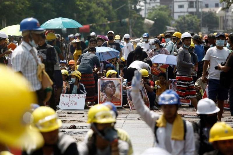 LHQ lo quân đội Myanmar phạm tội ác chống lại loài người - ảnh 3