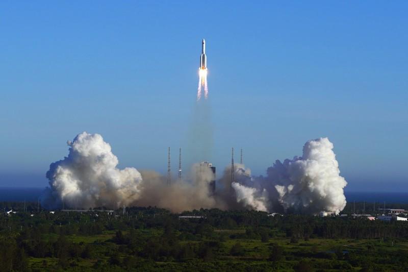 Mỹ nói về khả năng bắn hạ tên lửa đang rơi của Trung Quốc - ảnh 1
