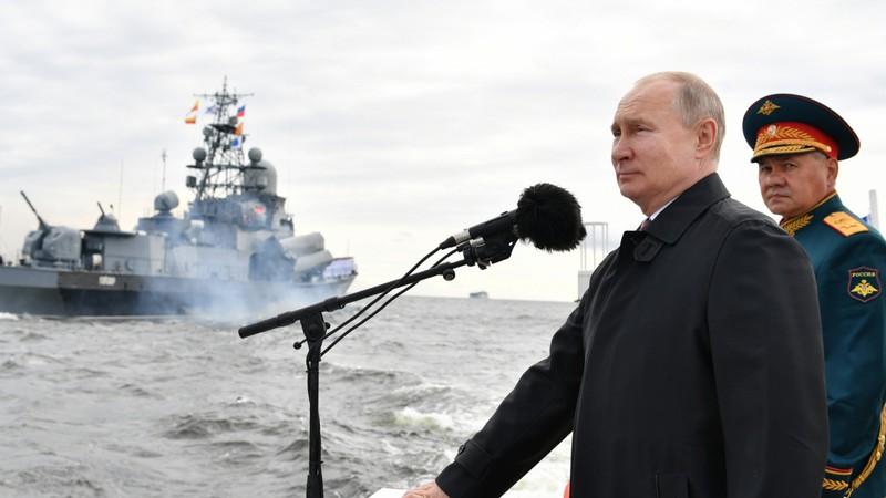 Ông Putin: Hải quân Nga có thể ra đòn tấn công 'không thể cản nổi' vào kẻ thù - ảnh 1