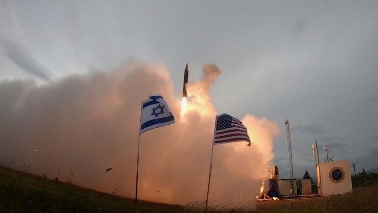 Mỹ-Israel muốn đi trước Nga-Trung Quốc một bước bằng hệ thống tên lửa mới - ảnh 1