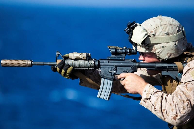 Súng trường AK của Nga có thực sự 'ăn đứt' súng trường M4 của Mỹ? - ảnh 2