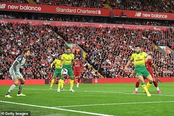 Hạ gục Norwich, Liverpool khai hội Premier League tưng bừng - ảnh 1