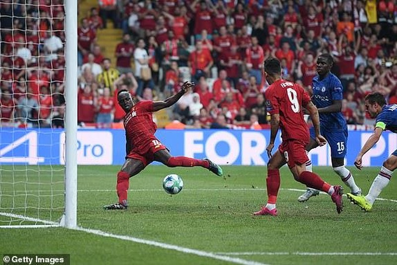 Thắng khó Chelsea, Liverpool vô địch siêu cúp sau 14 năm - ảnh 4
