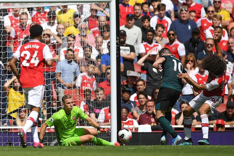 Hàng công tỏa sáng, Arsenal thắng khó Burnley trên sân nhà - ảnh 2