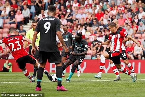 Thủ môn mắc sai lầm, Liverpool thắng nhọc Southampton - ảnh 3