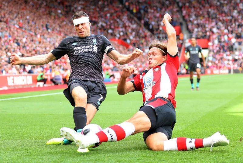 Thủ môn mắc sai lầm, Liverpool thắng nhọc Southampton - ảnh 1