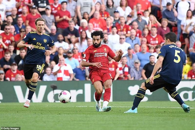 Salah lập cú đúp, Liverpool 'vùi dập' Arsenal chiếm ngôi đầu - ảnh 6