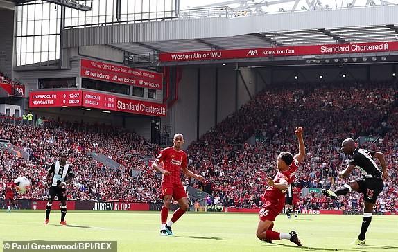 Mane tỏa sáng, Liverpool ngược dòng tưng bừng trước Newcastle - ảnh 1